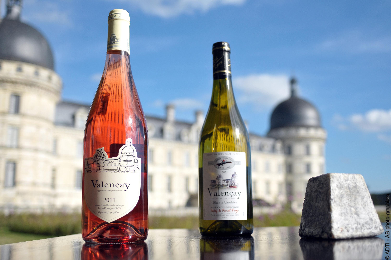AOC vin Valençay, fromage de chèvre, pyramide de Valençay