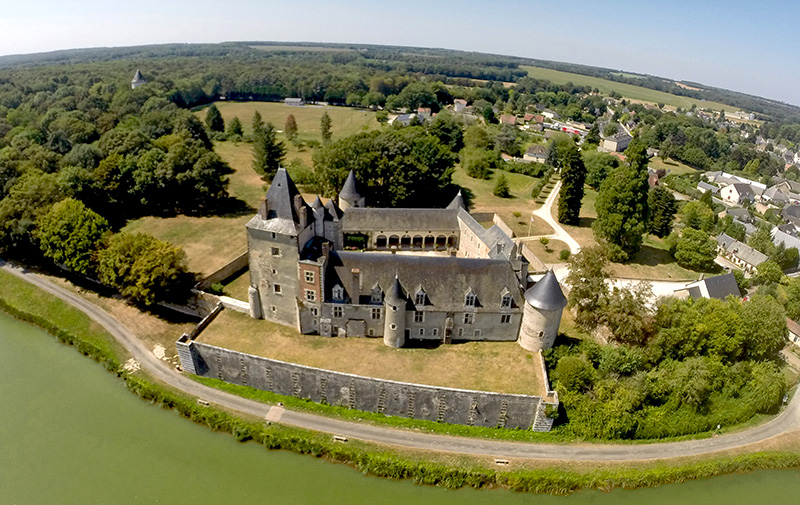 Château de la Chapelle d'Angillon ©Piranga Studio