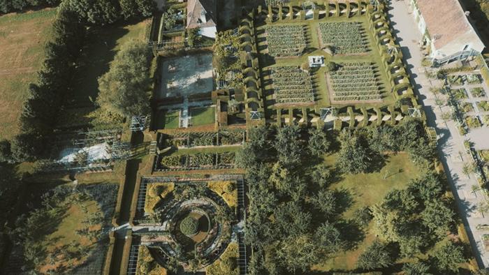 Jardin du Prieuré Notre-Dame d'Orsan - ©Newpic