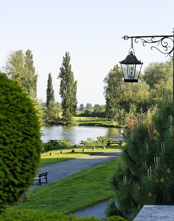 8 bonnes raisons de visiter le parc floral d 39 apremont sur for Apremont sur allier jardin