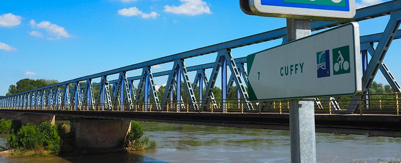 Paysages et panneaux sur la Loire à Vélo ©Ad2T