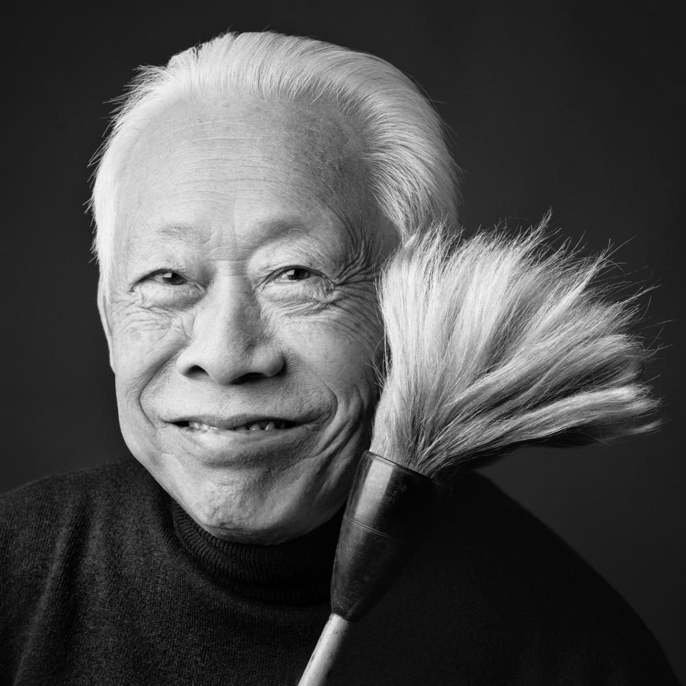 Zao Wou-Ki avec pinceau_la chambre noire 2016