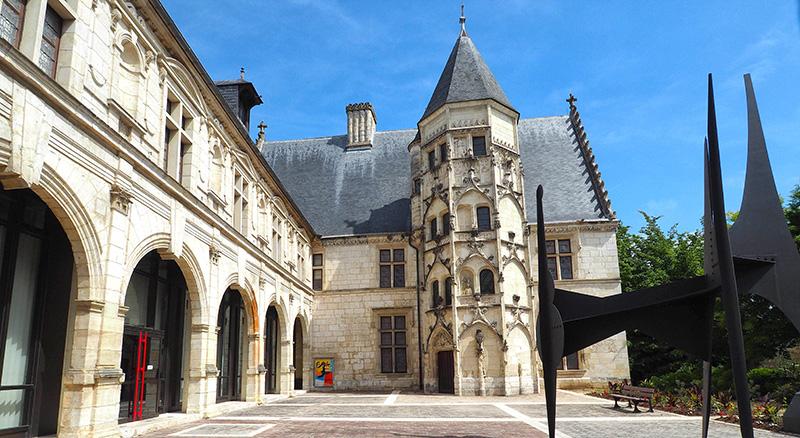Bourges Musee Des Arts Decoratifs