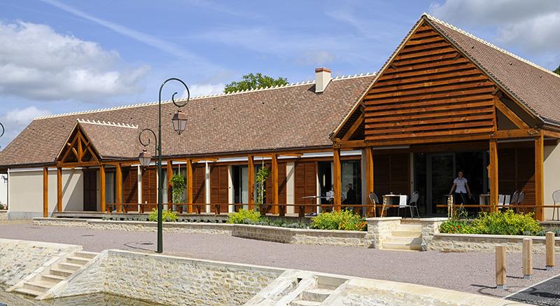 Restaurant le Saint-Jean II à Drevant ©Ad2T - P. Régnier