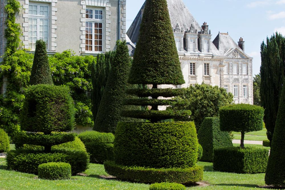 Jardin à la française - Château Azay-le-Ferron - © Hellio et Van Ingen
