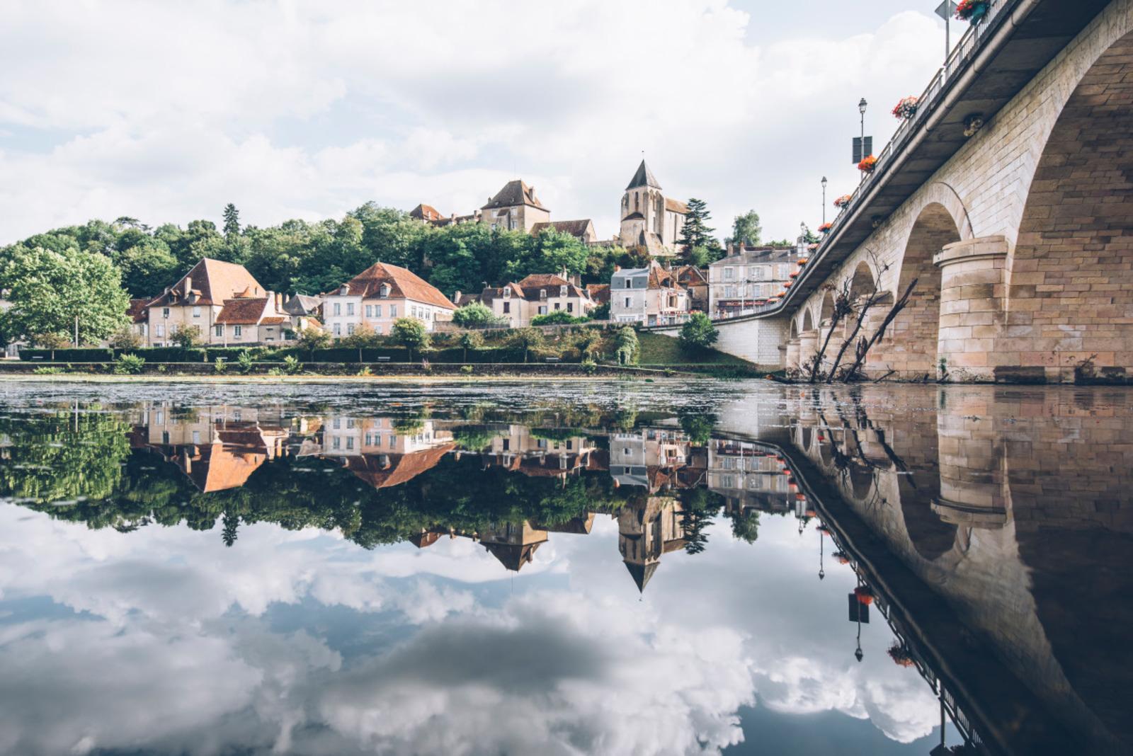 vue sur la ville haute de Le Blanc ©Bestjobers - Max Coquard
