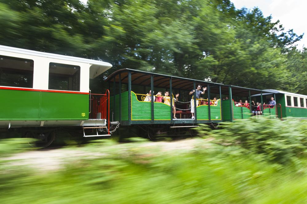 Le train du Bas Berry, d'Écueillé à Heugnes - ©Hellio et Van Ingen