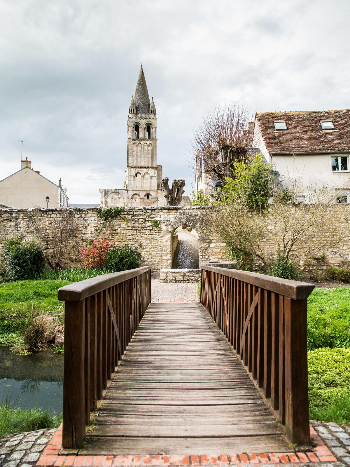 clocher de l'abbaye de Déols ©Photoclub de Belle-Isle - JM Surand