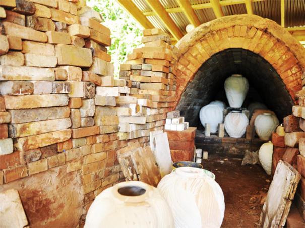 La Borne, Village de Potiers Four_berry_vignette_offre