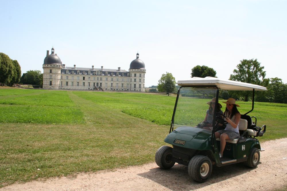 Au Château de Valençay en golfette - © ADTI