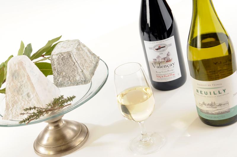 Fromages de Pouligny et Valençay, accompagnés d'un rouge de Valençay et d'un blanc de Reuilly - AB Photographiste