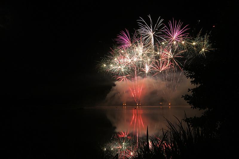 Feu d'artifice au dessus du Lac d'Eguzon ©P.Rolland