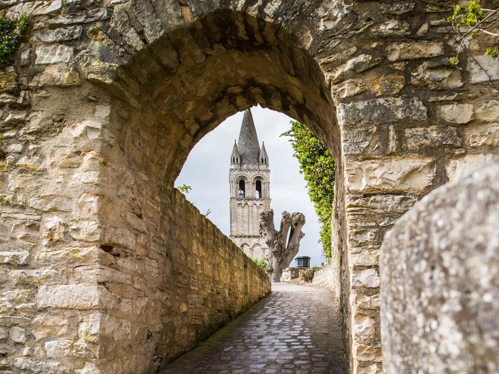 Clocher de l'abbaye de Deols ©JMSURAND_