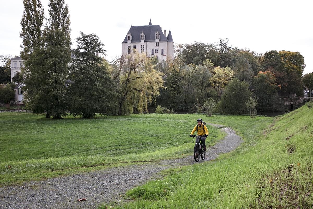 L'Indre à vélo à Châteauroux © Betty Arnavielhe - Trip in wild