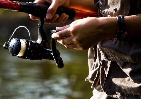 Pêche au lancer sur l'Anglin. Indre.
