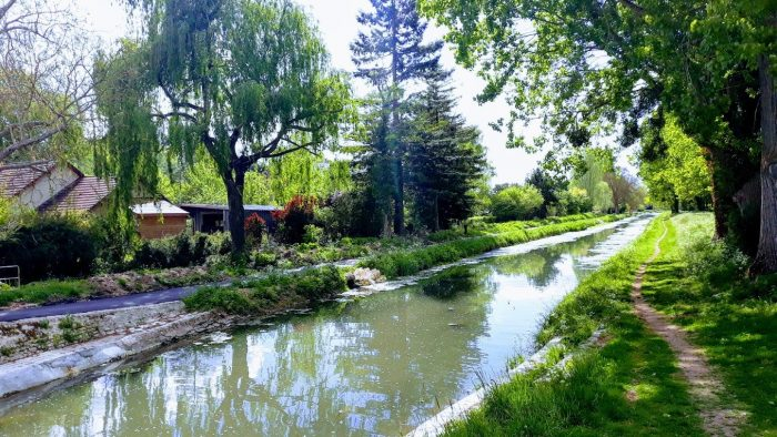 BOURGES-CANAL DE BERRY CABANONS