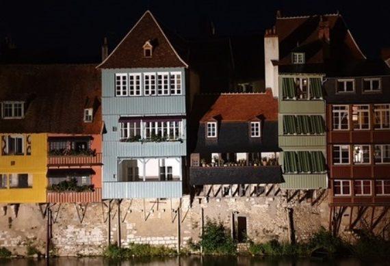 Vieilles maisons du pont