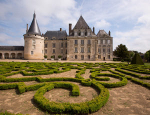 Le château et ses demoiselles – Château et jardin