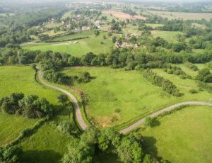 Les coteaux de l'Abloux – Vue aérienne de la vallée
