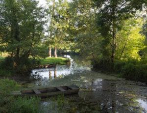 La fontaine de Saint-Aigny – Barque dans la Creuse à Saint-Aigny