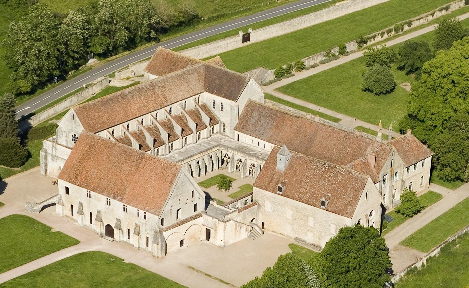 Abbaye de noirlac bruere allichamps patrimoine - Abbaye de citeaux horaires des offices ...