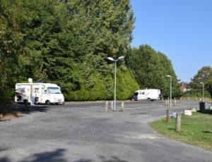 Aire-de-camping-car-parking-du-pre-qui-danse-aubigny-sur-nere-2
