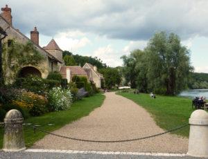 Promenade d'Apremont-sur-Allier-