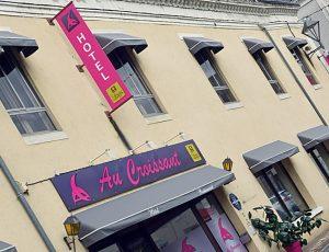 Au Croissant façade