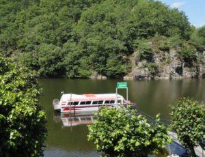Bateau promenade embarcadère lac d'Euzon
