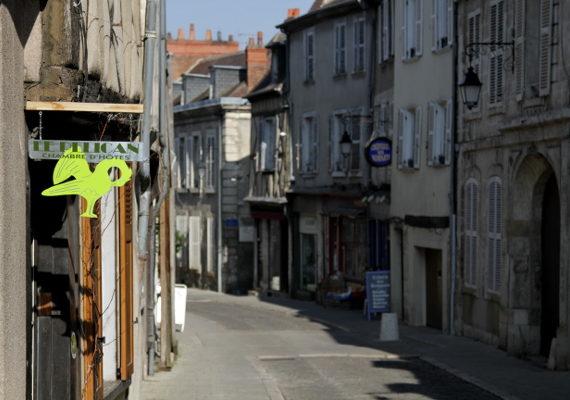 CHAMBRES DHOTES LE PELICAN BOURGES RUE BOURBONNOUX