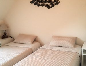 Chambre 3 avec 2 lits de 90×190