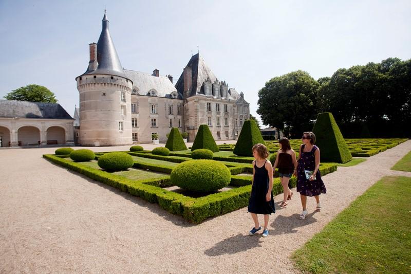 Château d'Azay-Le-Ferron - © Hellio et Van Ingen