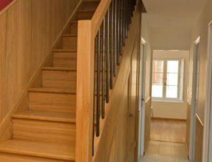 Gîte Fassardy—montee-d-escalier—CP-Mme-Pignol