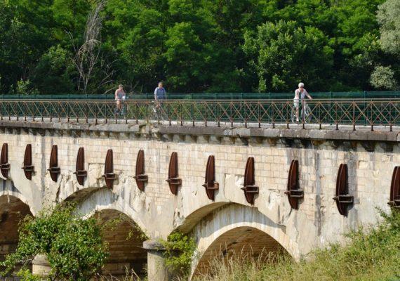 Découverte à vélo du Canal de Berry