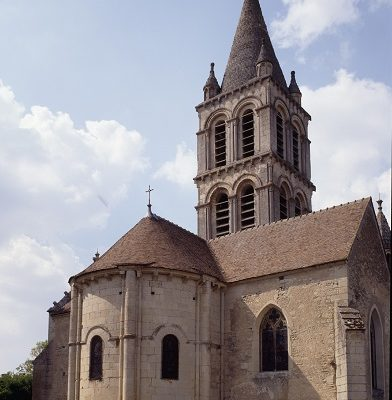 Eglise de Charly 2  photo Editions Gaud