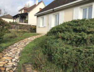 ExterieurAu pied du Château2