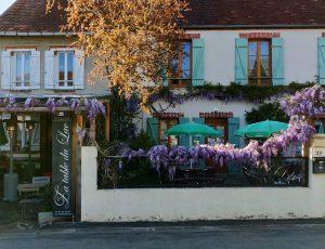 Facade-Table-et-Maison-du-Lac-2