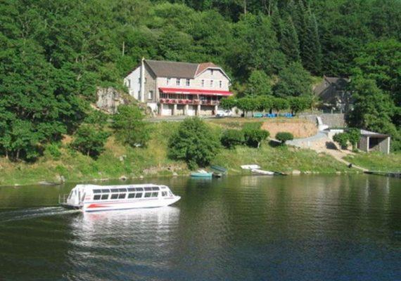 Hôtel du lac à Saint-Plantaire