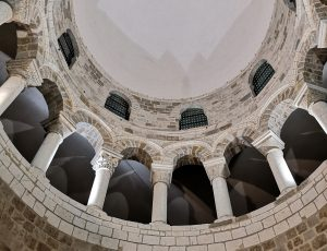Basilique de Neuvy St Sépulchre