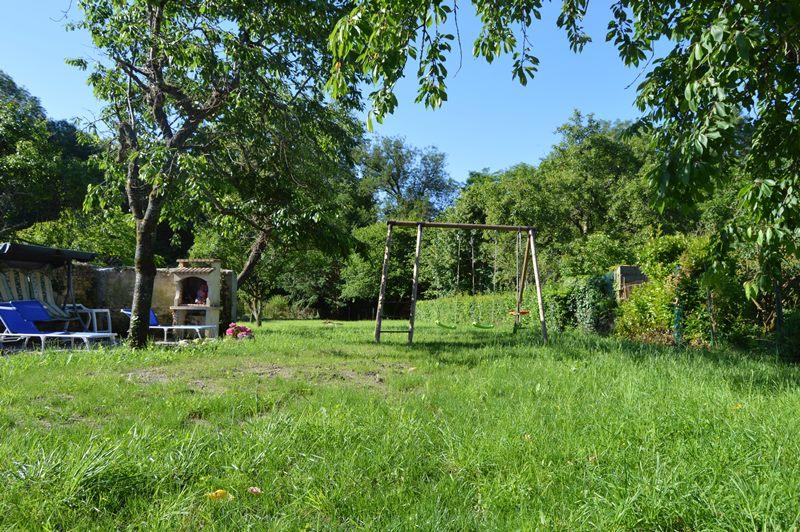 G te coeur de brenne cl vacances mezieres en brenne - Coin barbecue jardin ...