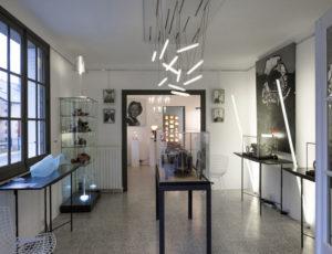 Labo24-galerie-art-design-la-borne-luminaire-sculpture-peinture-gravure-verre
