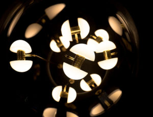 Labo24-galerie-art-toutin-luminaire-la-borne-design-deco