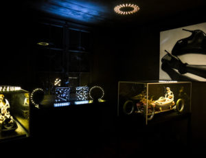 Labo24-galerie-la-borne-sculpture-peinture-luminaire-lampe-design-galeriedart