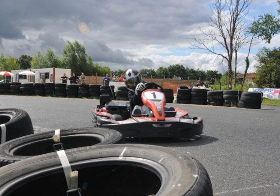 Loisirs karting en brenne mezieres en brenne activit s for Karting exterieur