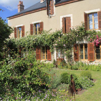 Meuble-de-tourisme-Aubigny-sur-Nere-Le-Buisson-de-la-Gariole–Facade