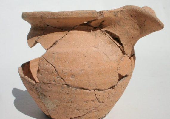 poterie de l'époque mérovingienne