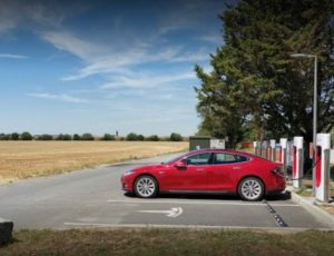 Parking bornes recharges Tesla
