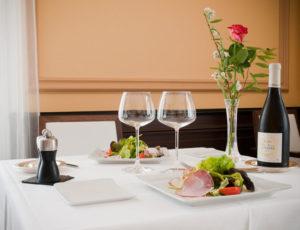 Restaurant Gastronomique Des Monts Damnés (4)