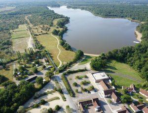 Vue aérienne du camping du domaine de Bellebouche