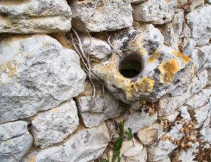Histoire de chèvre et de pierres – Une pierre à âne
